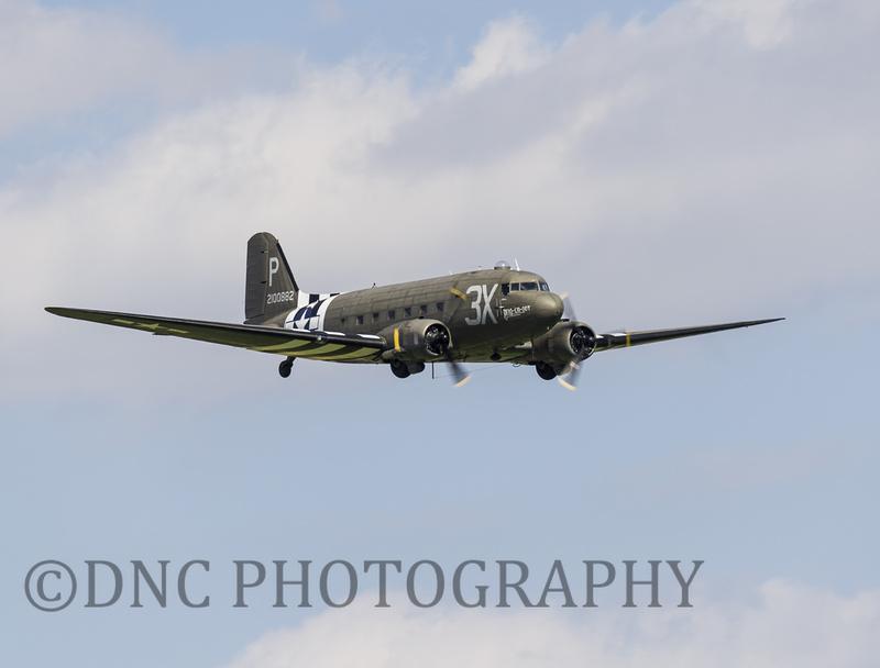 Douglas Dakota C47A 'Drag em oot'