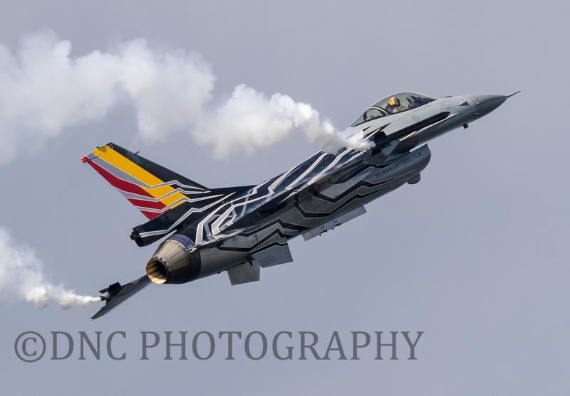 "Belgian Air Force F-16 Solo Display. General Dynamics F16AM Fighting Falcon Flown by Commandant Tom ""Gizmo"" De Moortel"