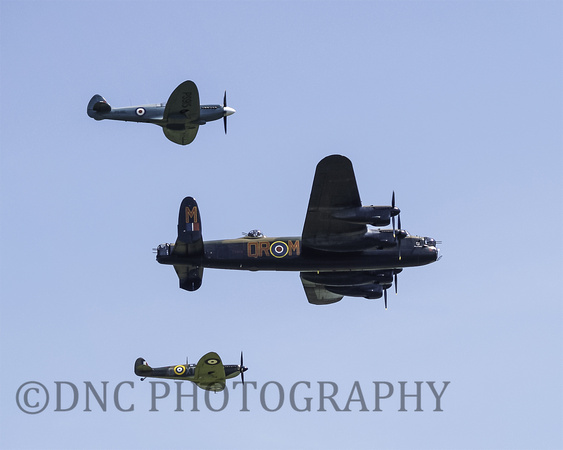 BBMF Spitfires MkIIA P7530, Mk PRXIX PS915 & Lancaster PA474 City of Lincoln