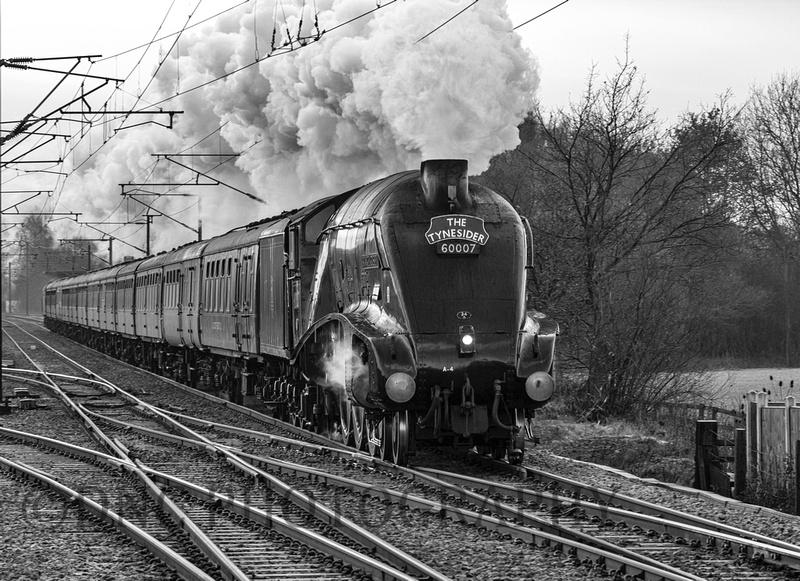 A4 60007 Sir Nigel Gresley 'The Tynesider' Joan Croft Junc 18-12-2010 m